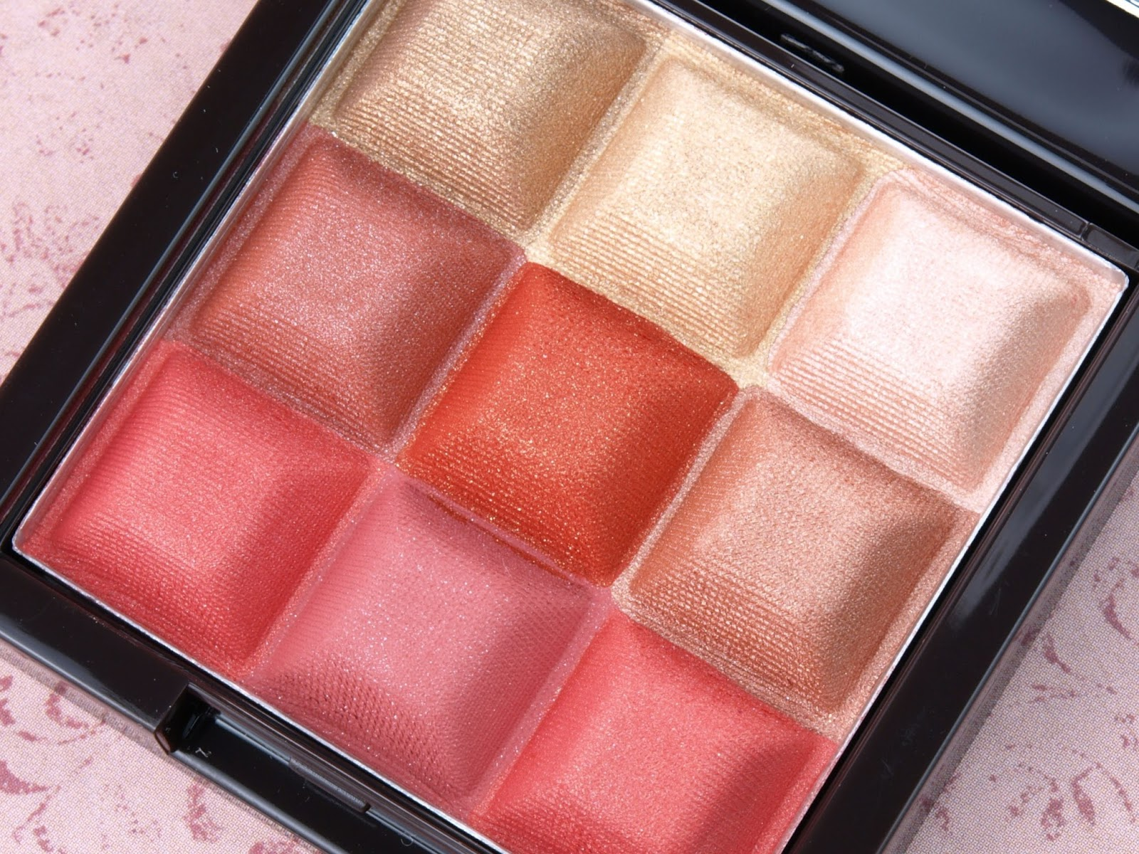 "Mark. Touch & Glow Shimmer Cream Cubes All-Over Face Palette in ""Coral Glow"": Review and Swatches"