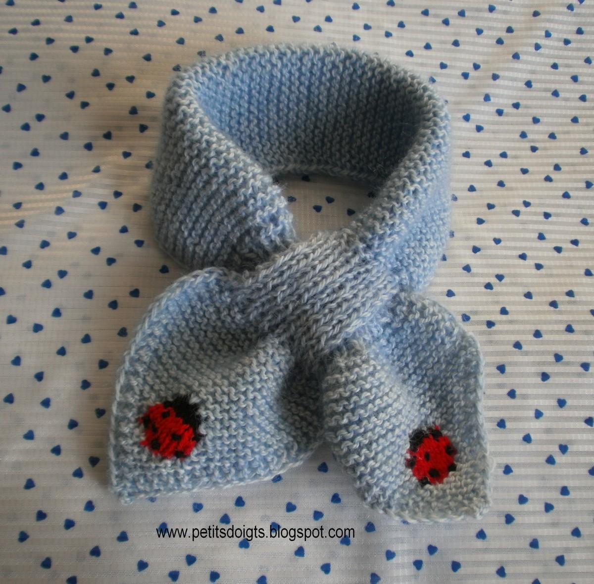 modele tricot echarpe feuille