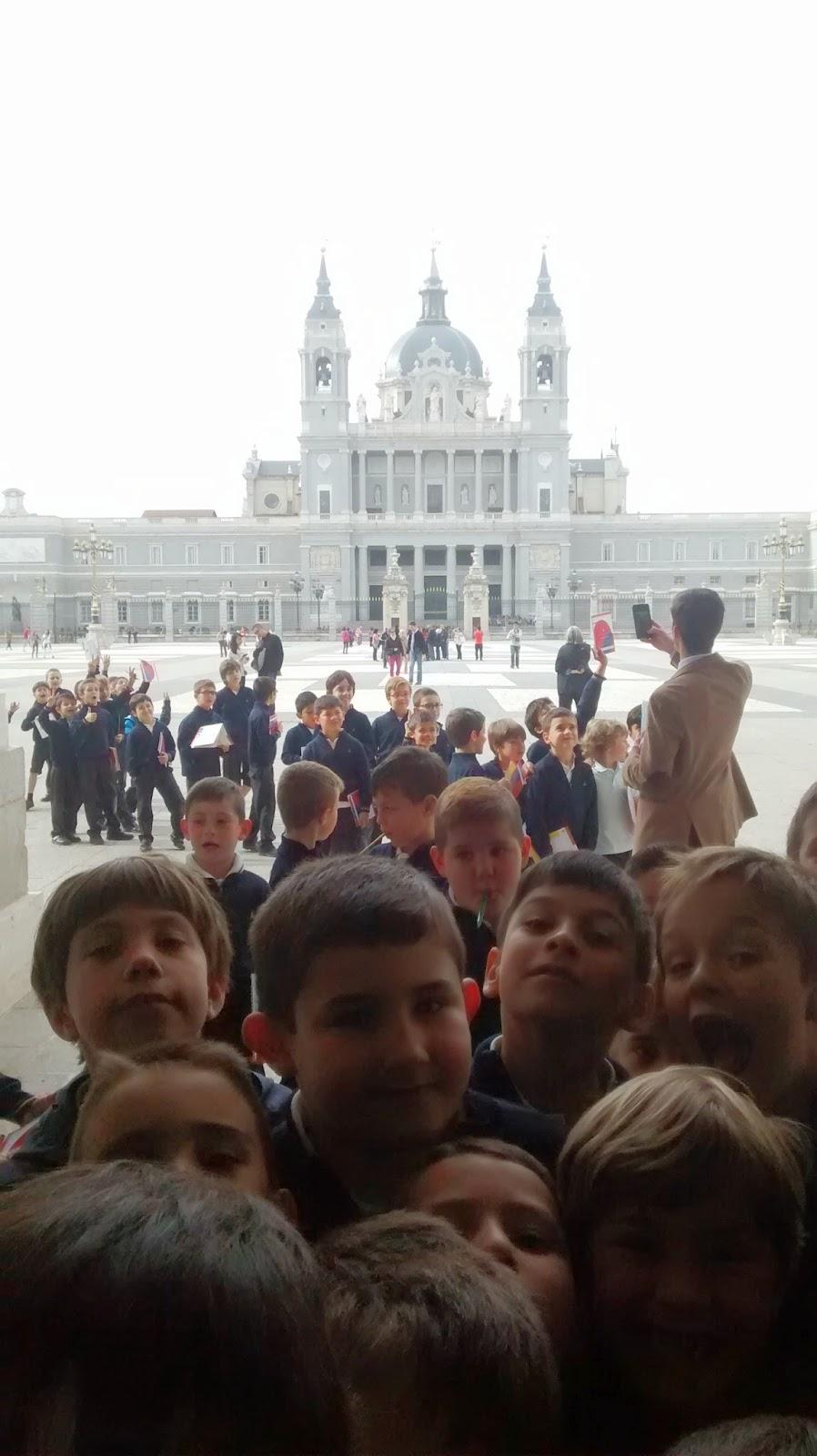 Blog de 2u00ba de Primaria: Visita al Palacio Real hoy 14 de abril