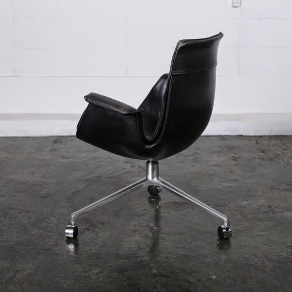椅子 ヨルゲン・カストホルム