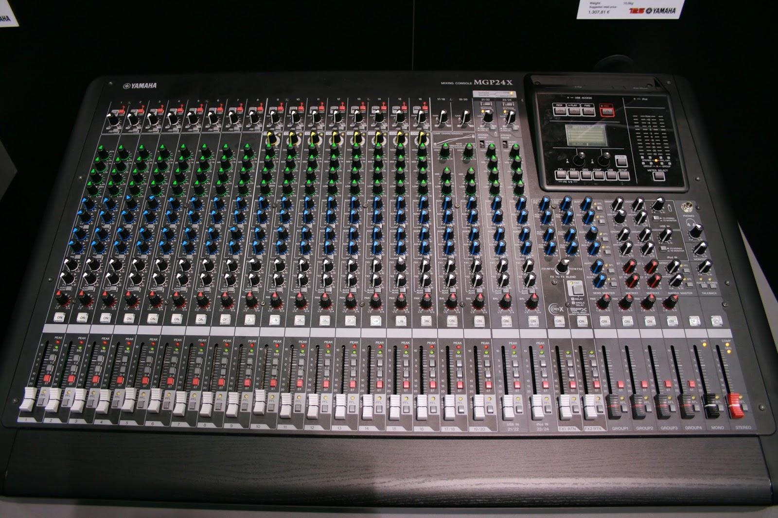 Imagination music store mixer yamaha mgp24x mgp32x for Yamaha mgp24x 24