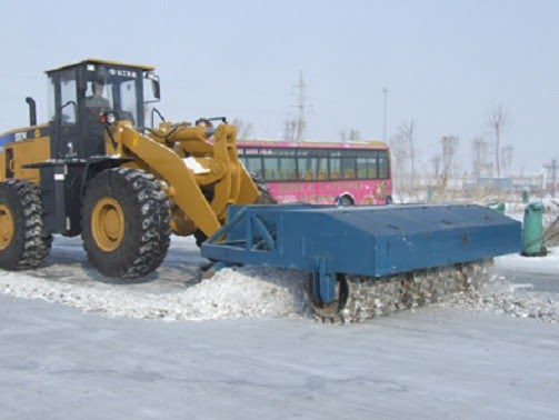 Snow Removal Equipment|Snow Plow|Snow Blade|Snow Thrower-YiHong: Featurers of Ice breaker machine