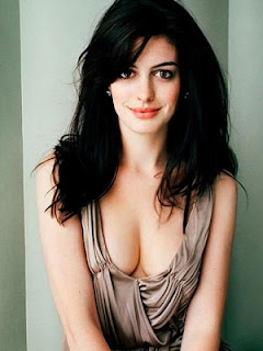 Anne Hathaway Biography on Hollywood Celebrities Biography  Anne Hathaway Biography