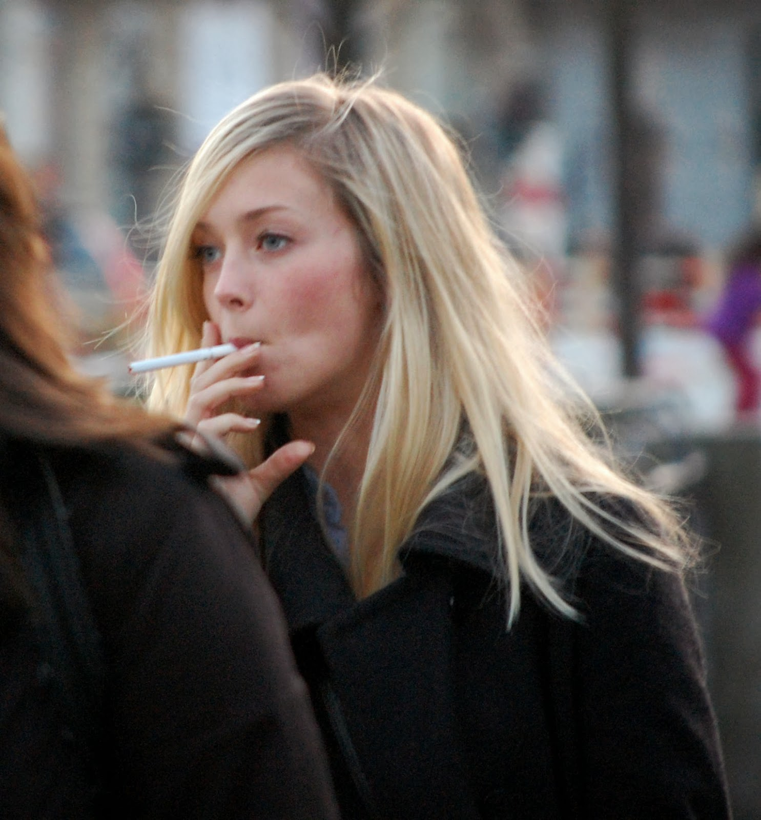 47 smoking in girls and young