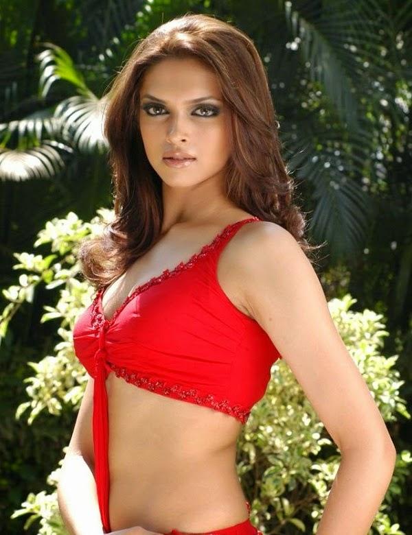 Deepika Padukone Bra Size Height Weight Body Measurements ...