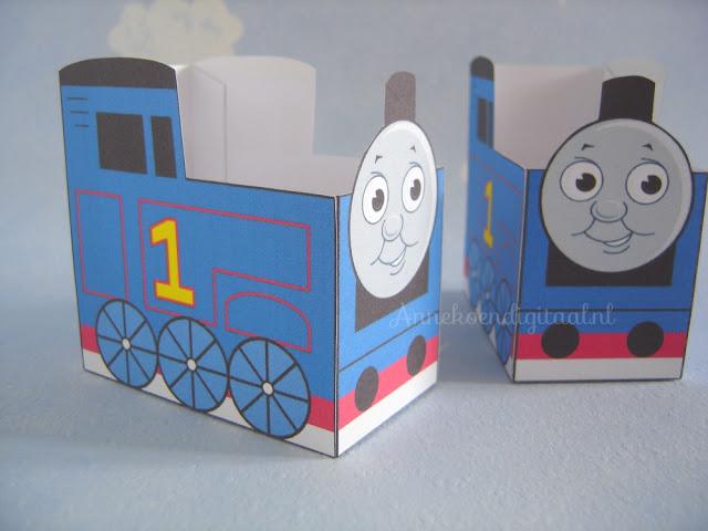 Thomas de trein traktatie, thomas de trein uitdelen, traktatie zelf maken, traktatie diy, thomas de trein bouwplaat, thomas de trein printen