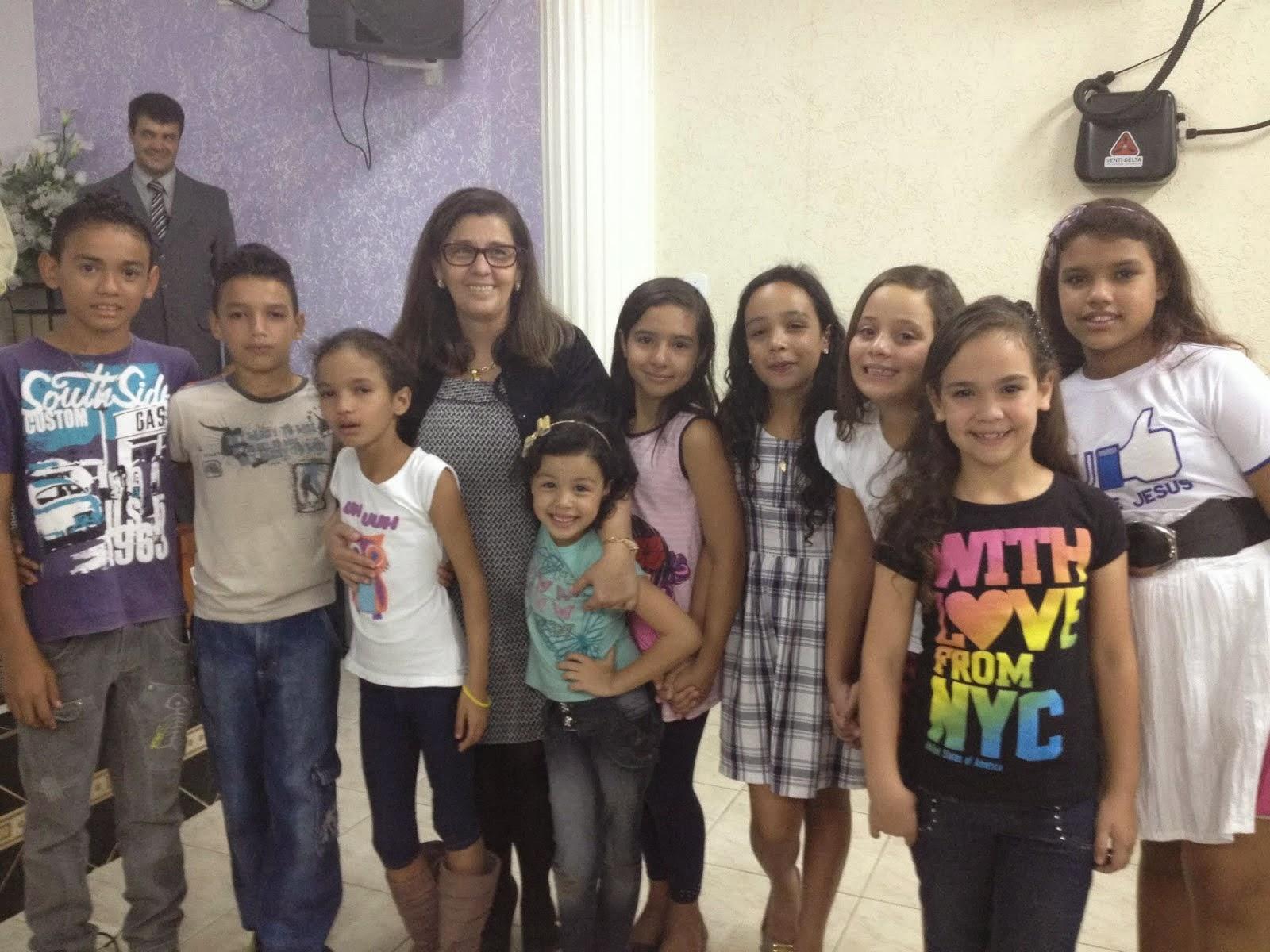 7 crianças foram batizadas com o Espírito Santo.