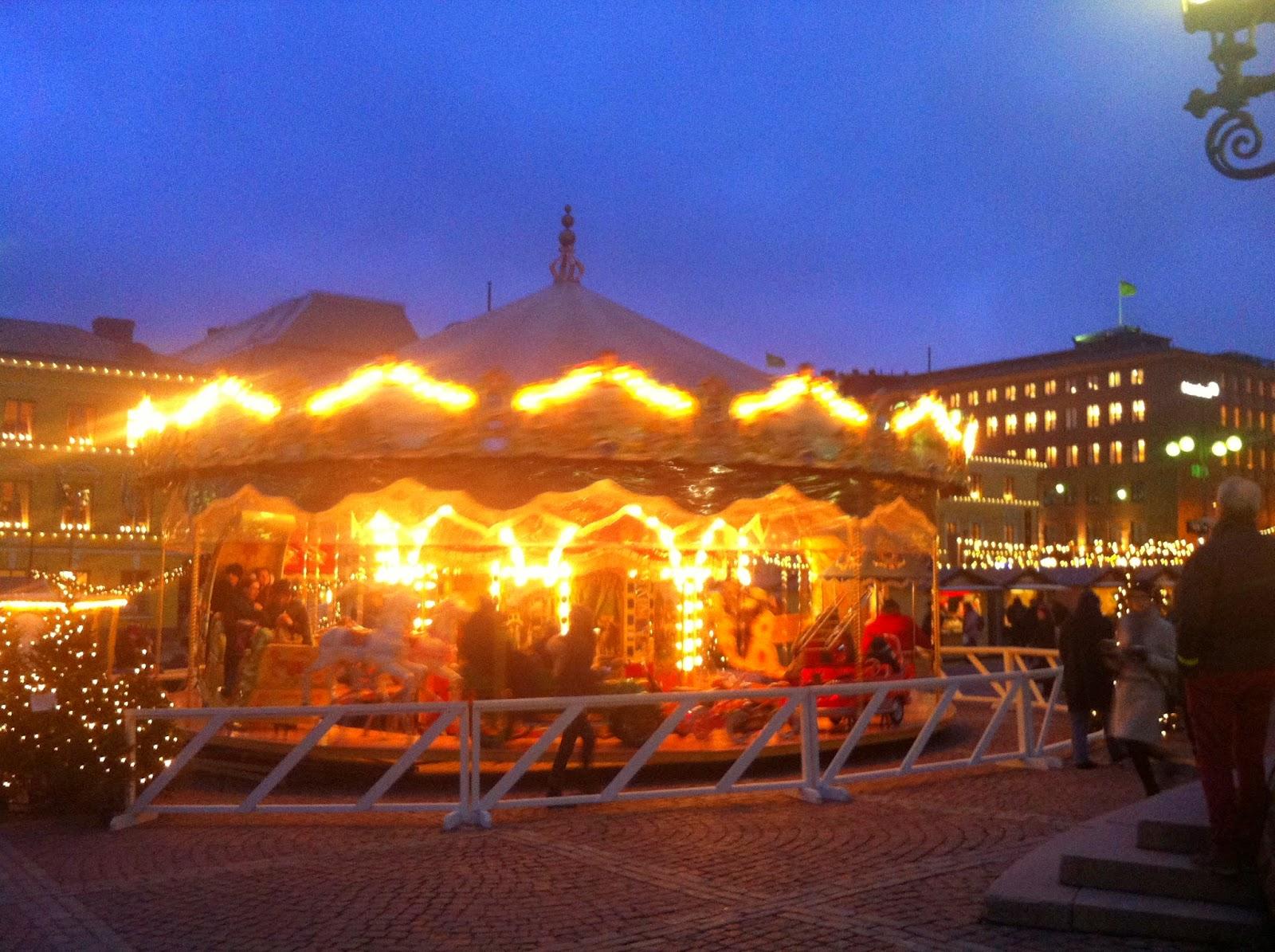 carusel, karuselli, karusellikuja, tuomaanmarkkinat, senaatintori, christmasmarket