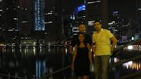 Delante de Marina Bay, Singapur.