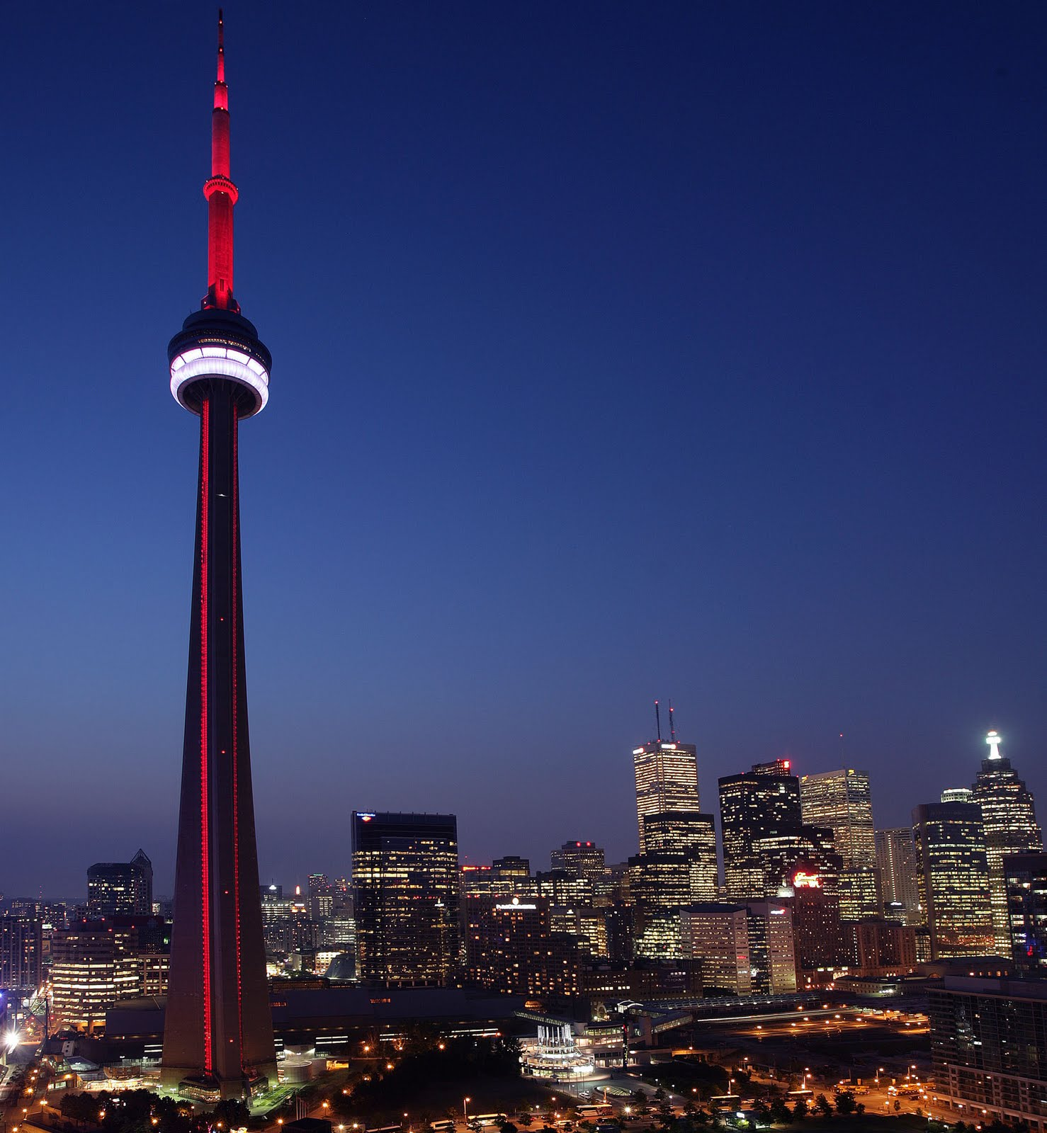 Free Wallpapers Blog: cn tower