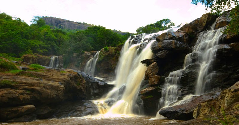 thoovanam waterfalls, waterfalls on the route to marayoor, marayoor waterfalls