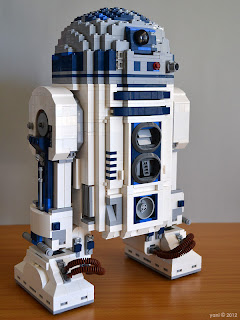 lego r2d2 - everyone's favourite droid, standing tall