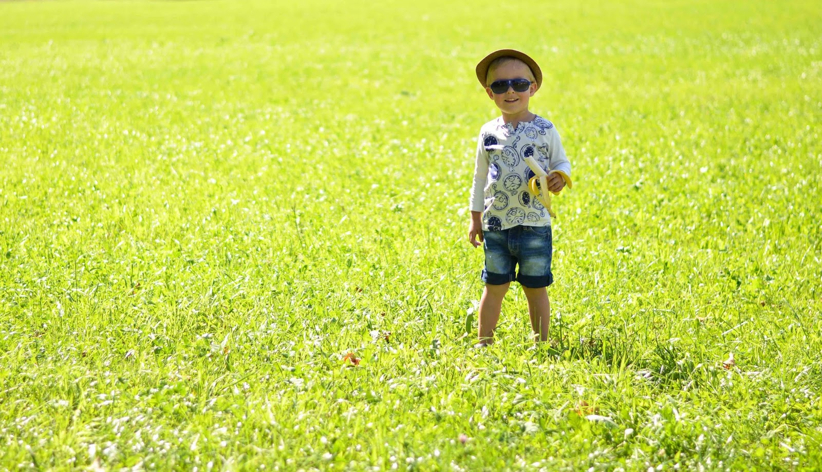 tegernsee grass field toddler