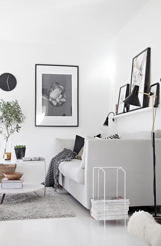 Cuadros detr s del sof decorar tu casa es - Cuadros y laminas ikea ...