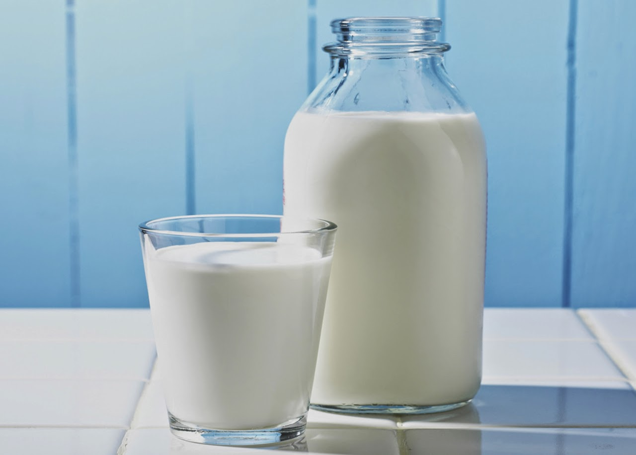 mujeres con leche en las: