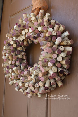 Elegantissima ghirlanda da riuso creativo di tappi da vino