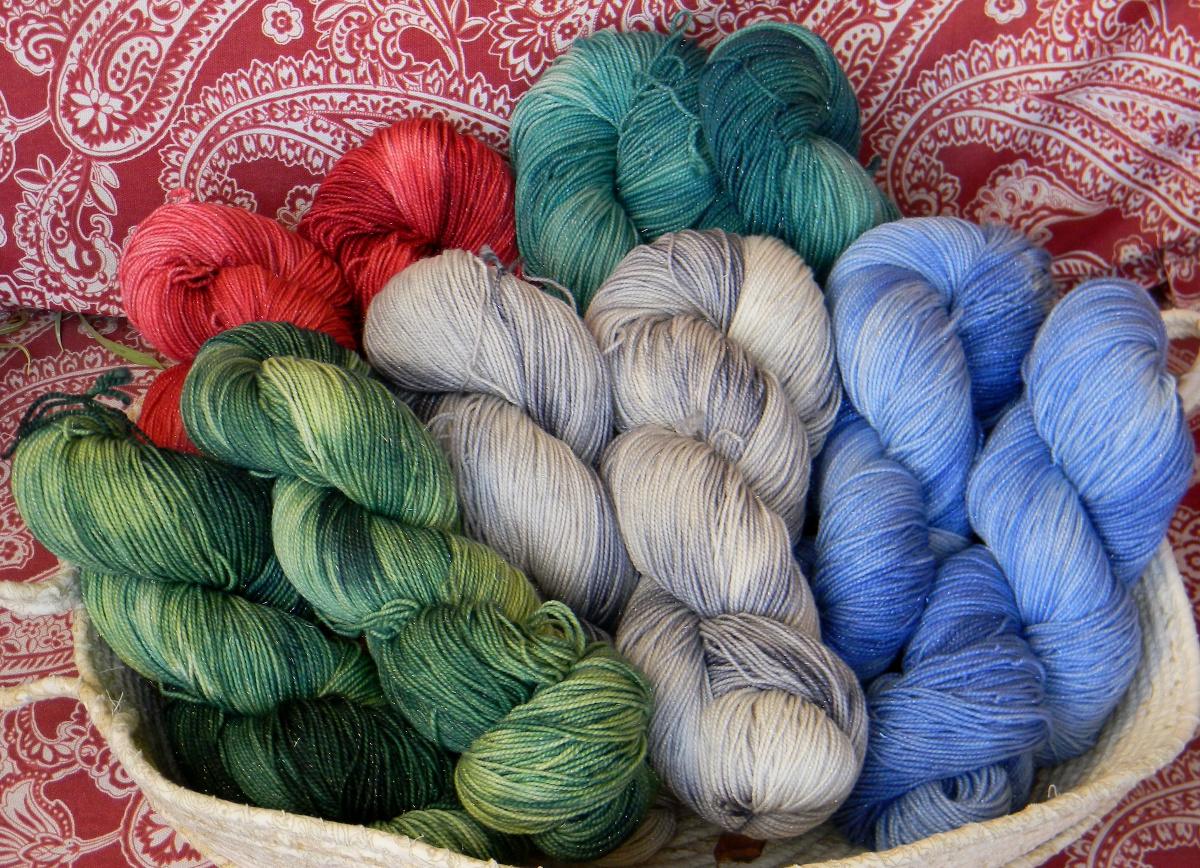 Knit up dye podcast yarn knitting patterns 2015 inspiration holiday colors sale fandeluxe Images