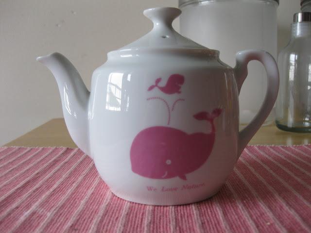 keraaminen teekannu