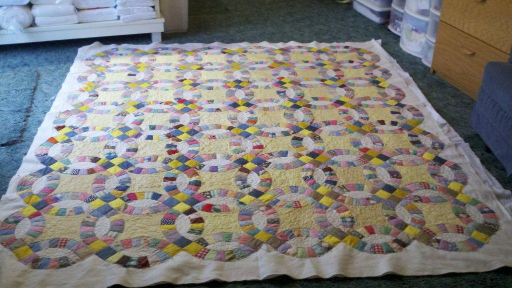 Ionia Quilt Works Double Wedding Ring Quilt all done except binding