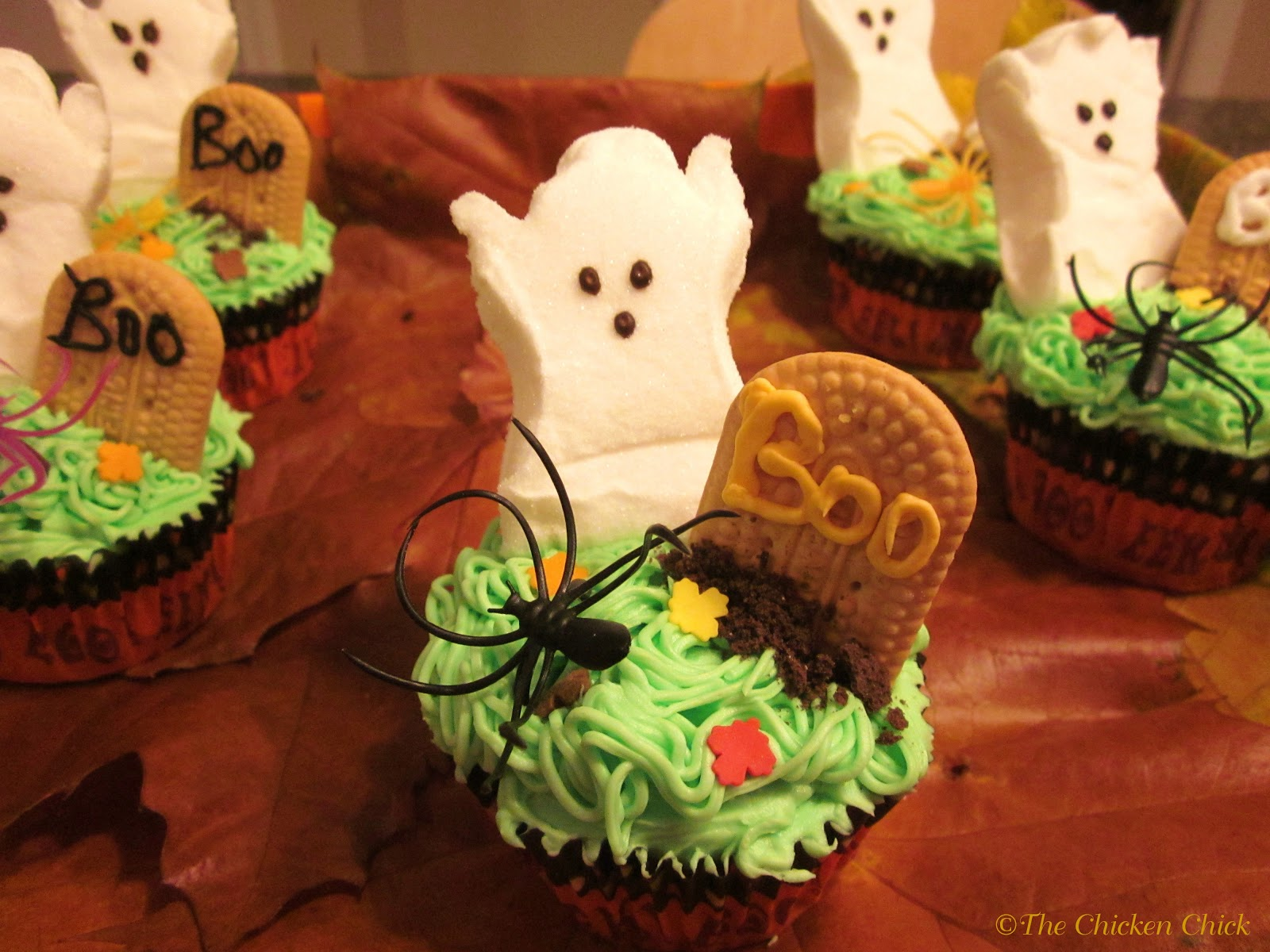 The Chicken Chick®: Halloween Graveyard Cupcakes