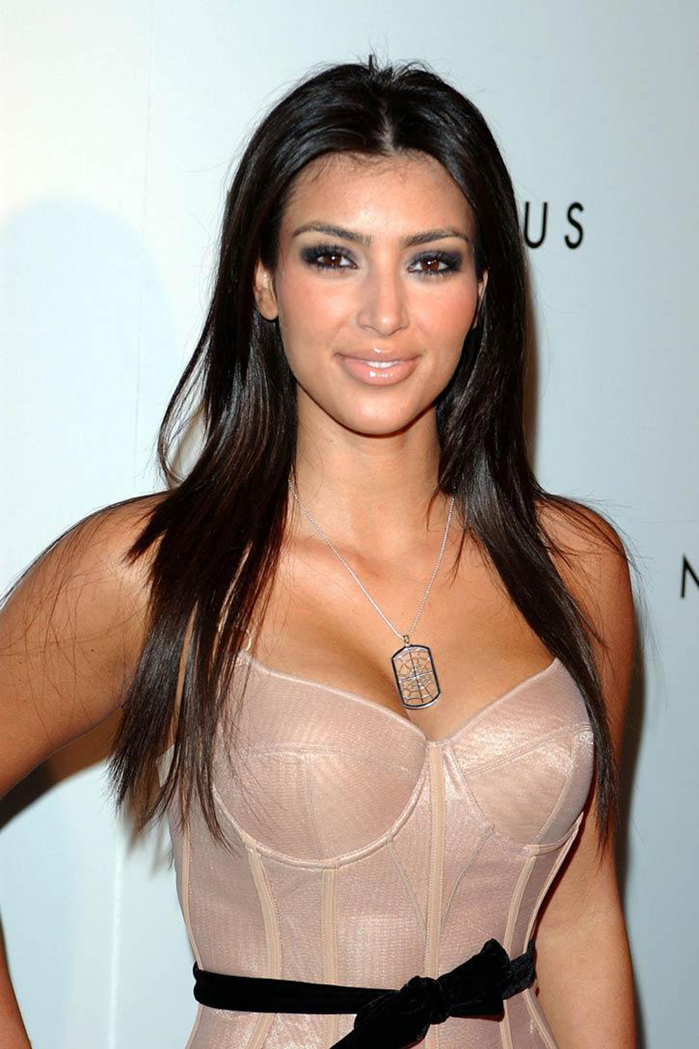 Kim Kardashian Straight Hair 05