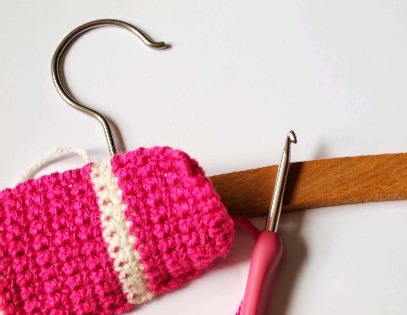 Scented Sweetpeas Crochet Clothes Coat Hanger Tutorial
