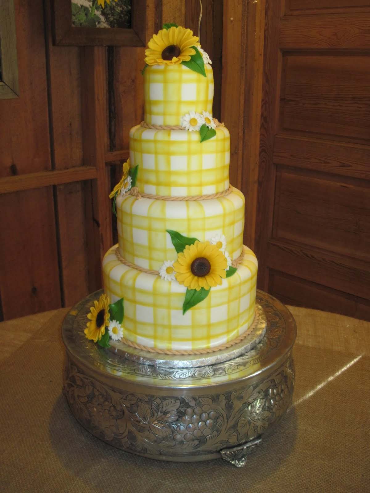 Sunflower Wedding Cake Viewing Gallery