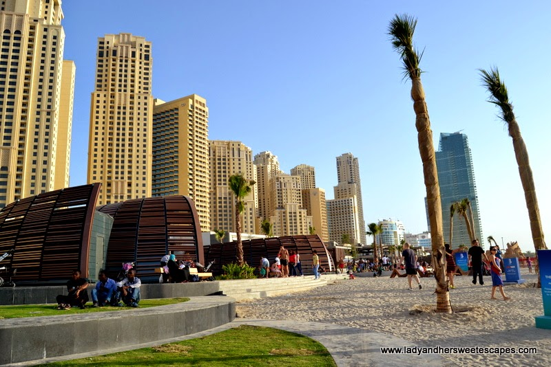 shower rooms at JBR beach