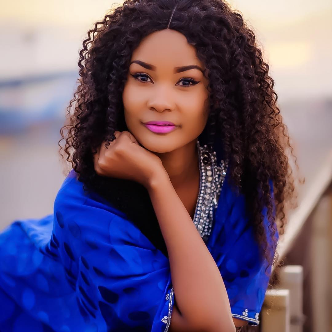 International Model Hamisa Mobetto Shows off her Beauty as ...