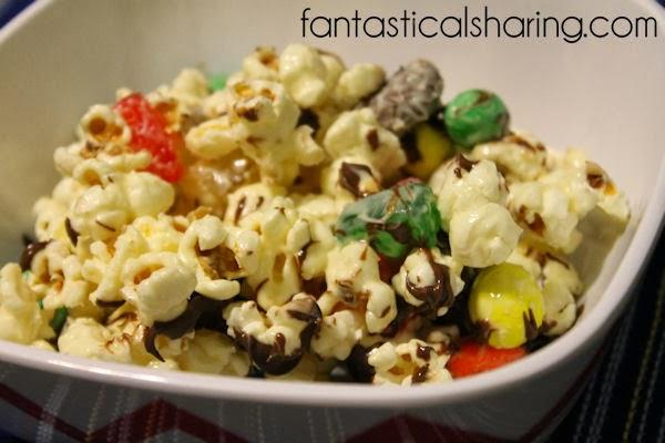 Movie Theater Candy Popcorn | White chocolate popcorn full of all the best movie theater candy