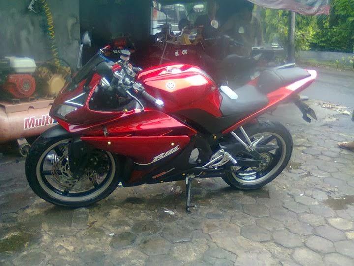 Modifikasi Yamaha Vixion Full Fairing Merah title=