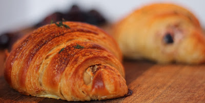 Goat's cheese, olive and thyme croissants