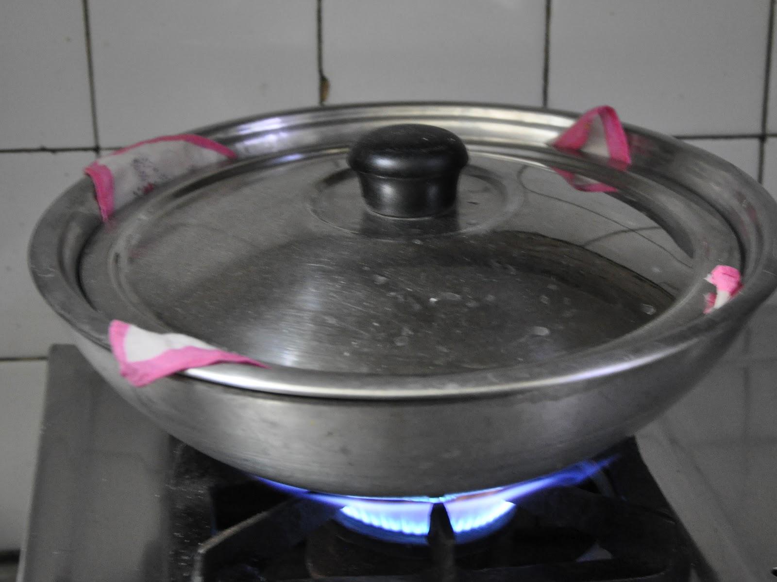 Steaming Dumplings Without A Steamer ~ Banaras ka khana bhapouri baphouri or steamed dumplings