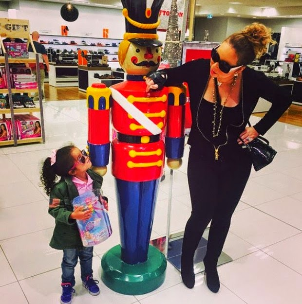 Mariah Carey takes her daughter to the mall to do some Christmas shopping