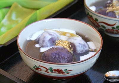 Rice Ball with Purple Yam in Ginger Syrup (Chè Trôi Nước Khoai Tím)