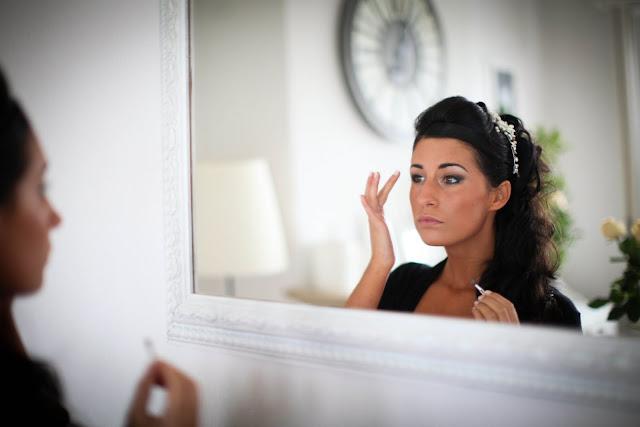 Les moineaux de la mari e miroir miroir qui est la plus for Miroir qui est la plus belle