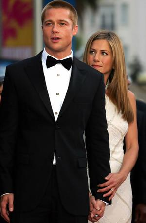 hot wallpaper: jennifer aniston brad pitt wedding.
