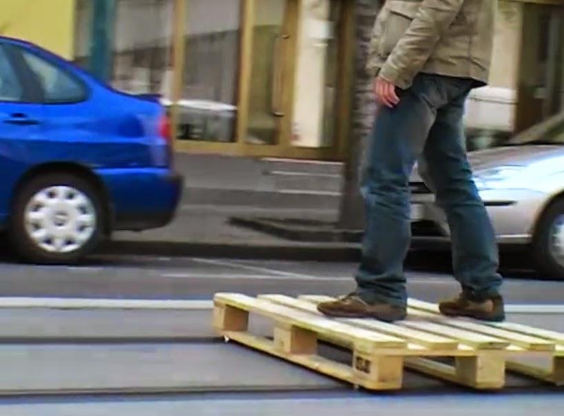 Vehiculos Ecologicos hechos con Palets Reciclados