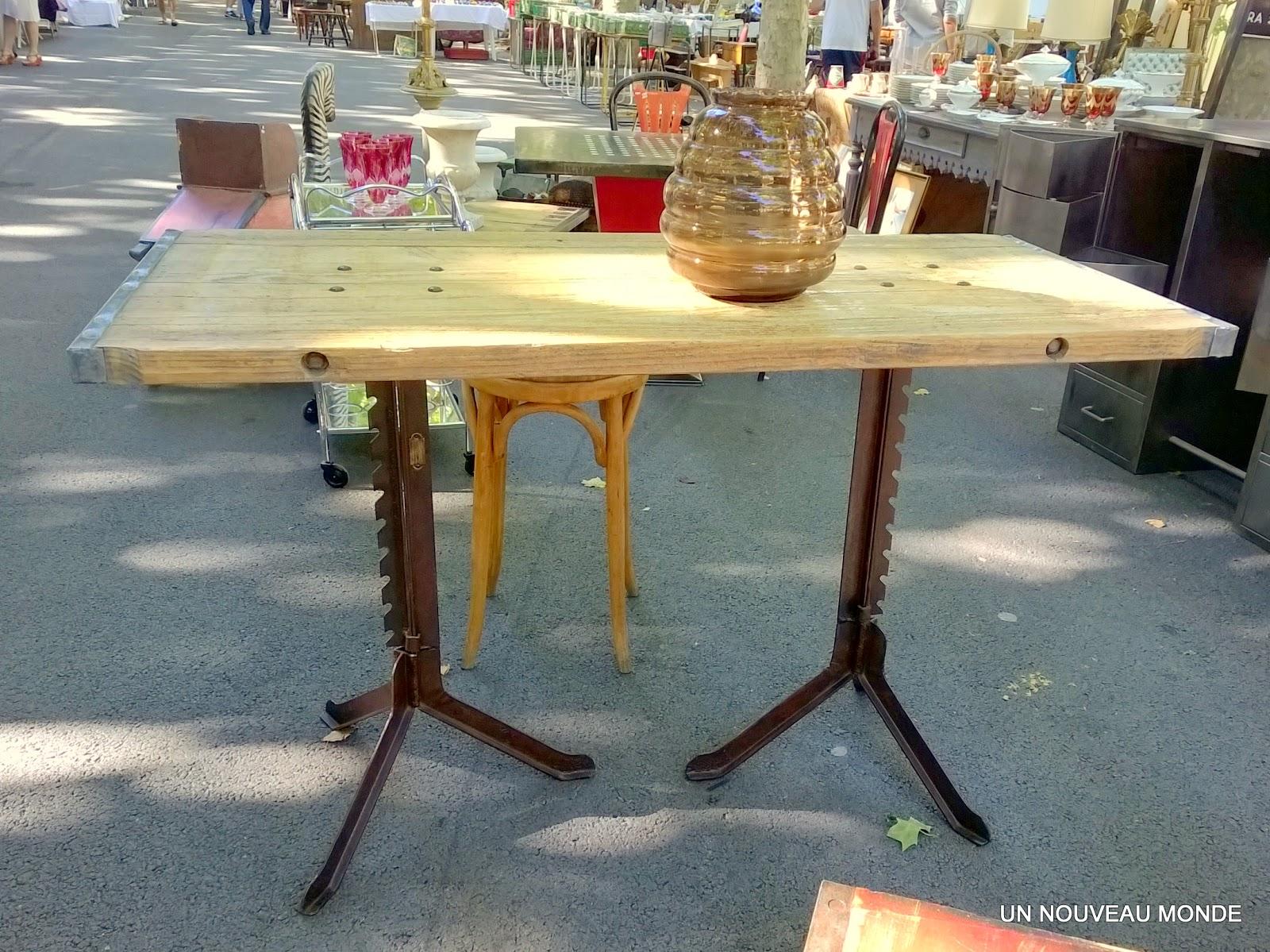 Brocante d coration un nouveau monde table industrielle for Decoration cremaillere