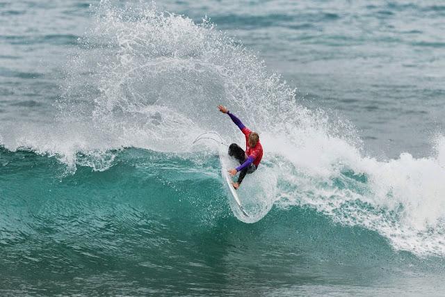 5 Rip Curl Pro Bells Beach 2015  Sebastian Zietz WSL Kelly Cestari