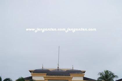 [Traveling] Ke Istana Maemoon Medan