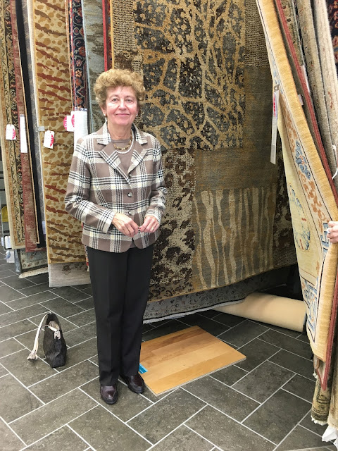Jeanette Shallop  Indianapolis Rug Winner - October 2015