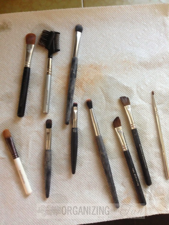 Lay smaller brushes flat to dry :: OrganizingMadeFun.com
