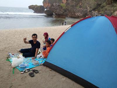 Camping di Geopark Gunung Sewu