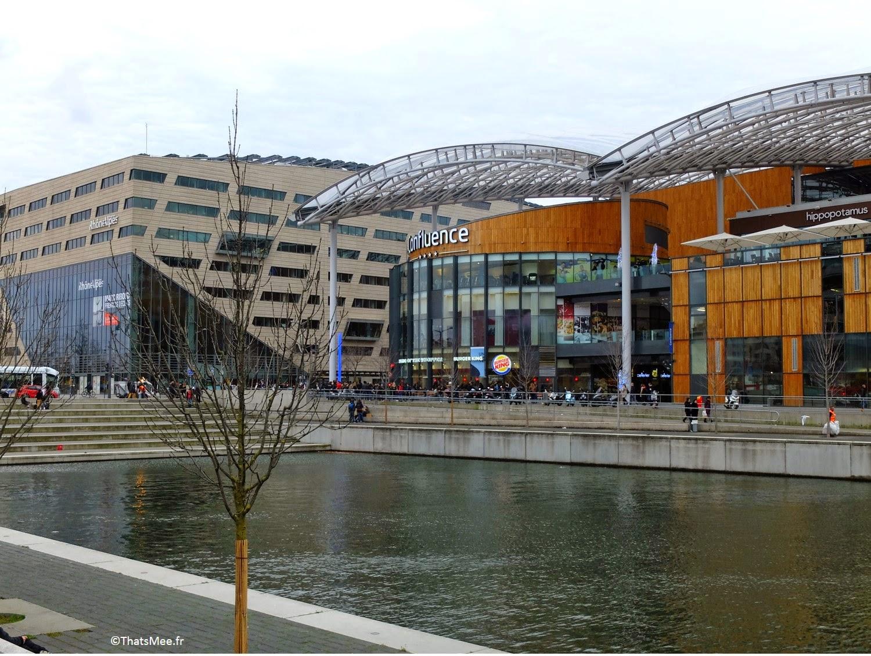 Lyon Confluence centre commercial Rhône moderne pole commerce la Saone, visiter Lyon thatmeee.fr