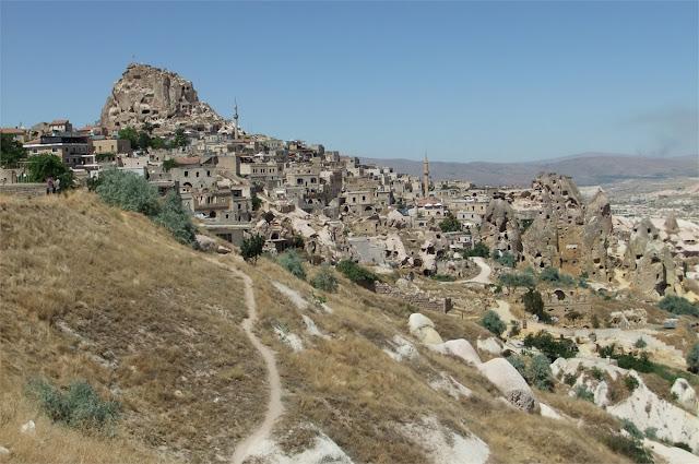 Fortaleza de Uçhisar vista desde el restaurante