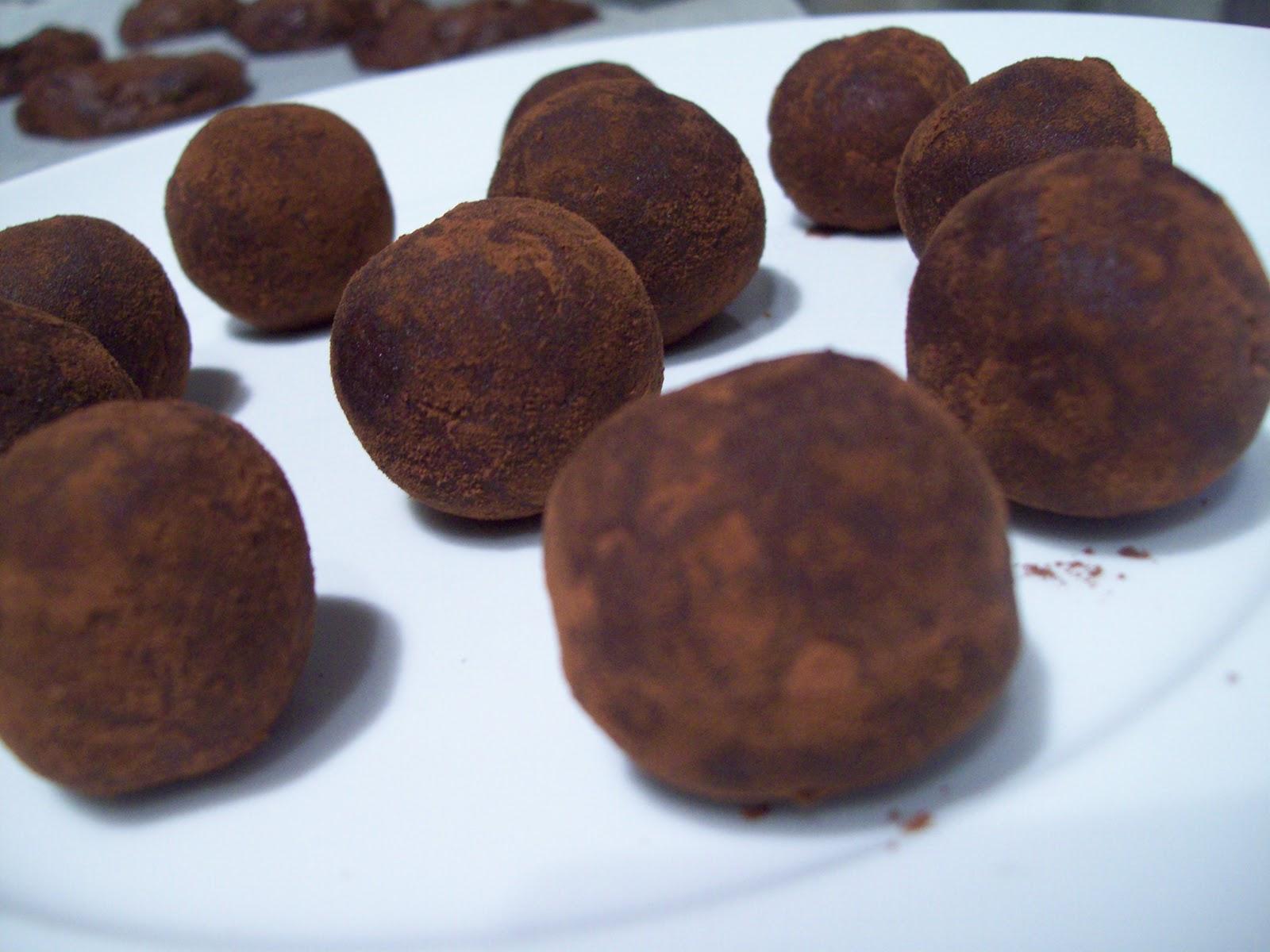 Makey-Cakey: Dark Chocolate Hazelnut Truffles