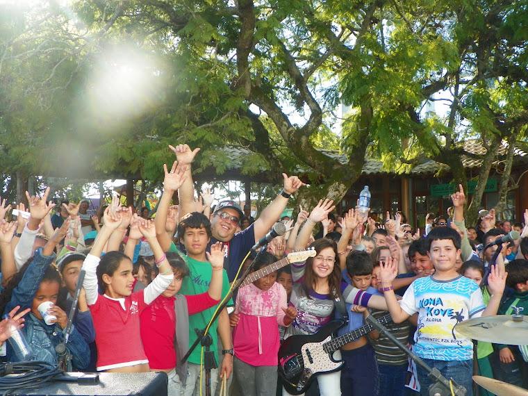 Mostardas recebe o show dos Surfistas da Paz