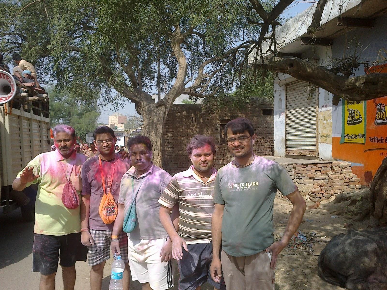 Holi in nidhivan, Bihari ji, vrindavan 2