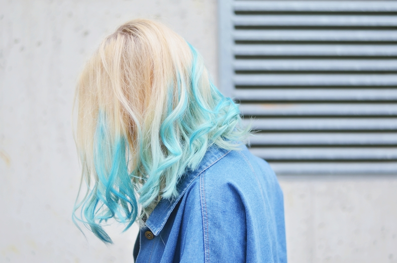 Dip_Dyed_hair_Dip_Dye_Haare_färben_blau_Directions_Midnight_blue_ViktoriaSarina